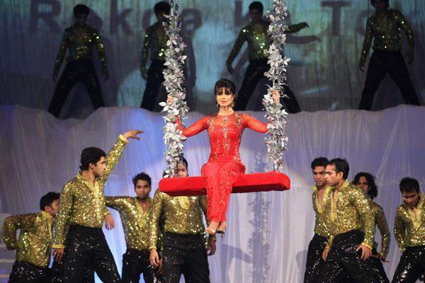 Priyanka Stunning Performance At 19th Colors Screen Award Ceremony