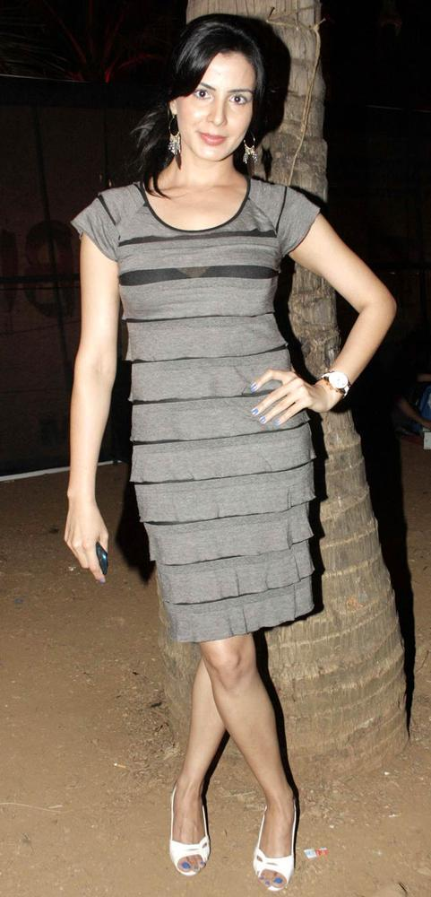 Kirti Kulhari Strikes A Solo Pose At Rise Of The Zombie Music Launch Event