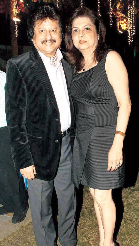 Pankaj And Farida Posed For Camera At Surendra Wadhwanis Birthday Bash