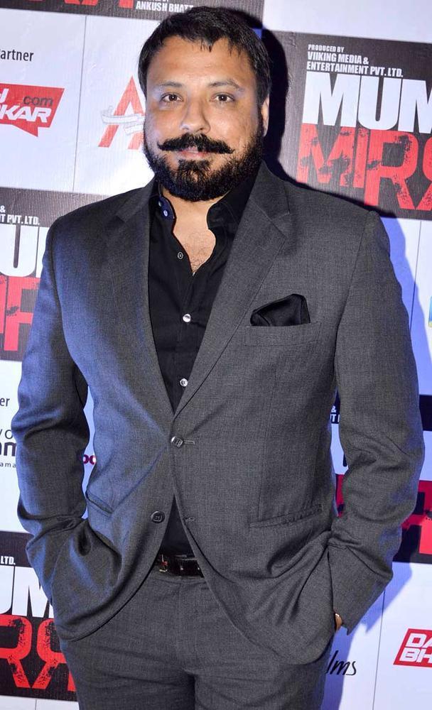 Bunty Walia Looked Dapper In A Suit At Mumbai Mirror Screening