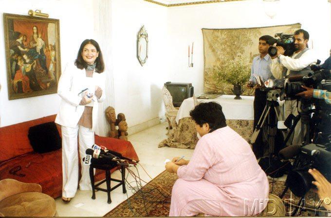 Parveen Babi Smiling Look Photo Shoot Still