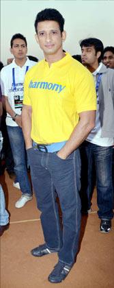 Sharman Joshi In Mumbai For Mumbai Marathon