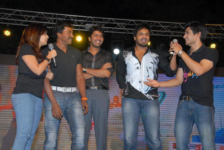 Swati,Allari Naresh,manchu Manoj And Nikhil Clicked At Swamy Ra Ra Audio Release Function