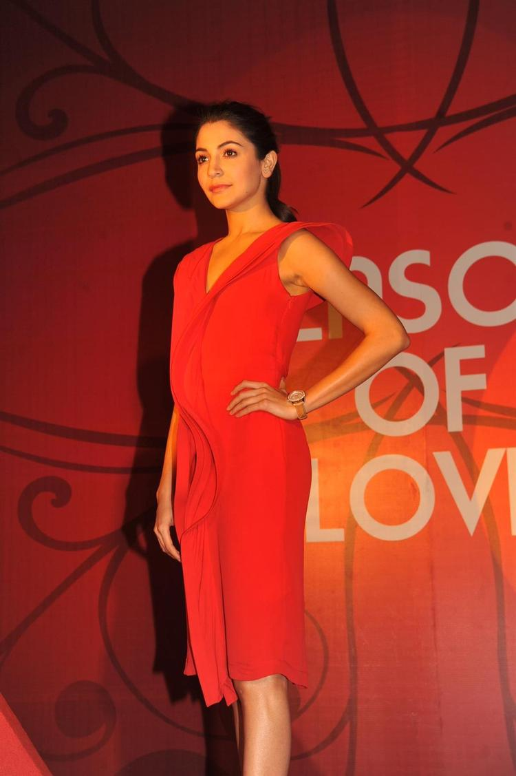 Anushka Strikes A Sexy Pose At The Launch Of Season Of Love Range By Gitanjali Jewels