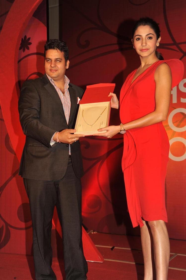 Anushka Unveils Gitanjali's New Jewellery Range The Valentine Collection Season Of Love