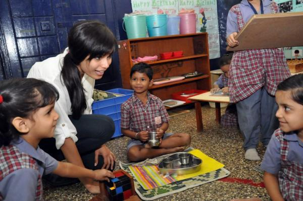 Freida Pinto Create A Hope Among The Slum Kids To Educate