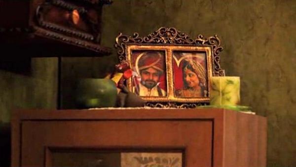 Emraan And Vidya Photo Album In Movie Ghanchakkar