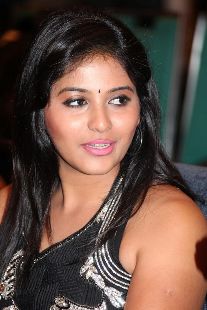 Anjali Stunning Look Photo Clicked At Balupu Movie Logo Launch