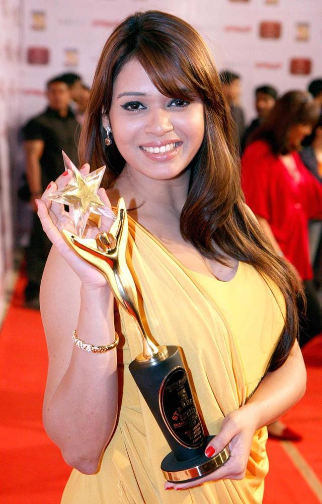 A Celeb Show The Stardust Award Trophy At Stardust Awards 2013
