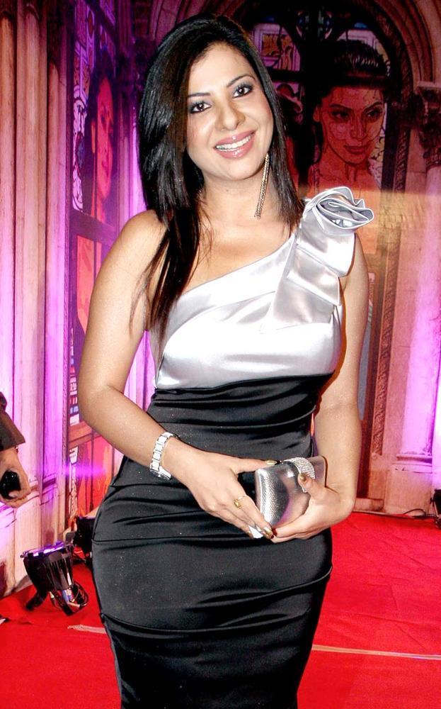 Sambhavna Make An Appearance At Stardust Awards 2013