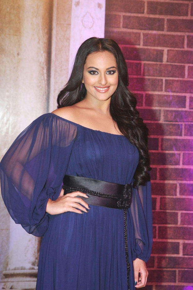 Sonakshi In Notte By Marchesa Gown At Stardust Awards 2013