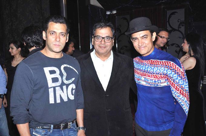 Subhash With Salman And Aamir Strikes A Pose At Subhash Ghai Birthday Bash