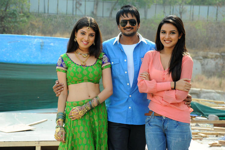 Priyadarshini,Sairam And Jasmine Cute Smiling Still At Dilnnodu Movie Press Meet