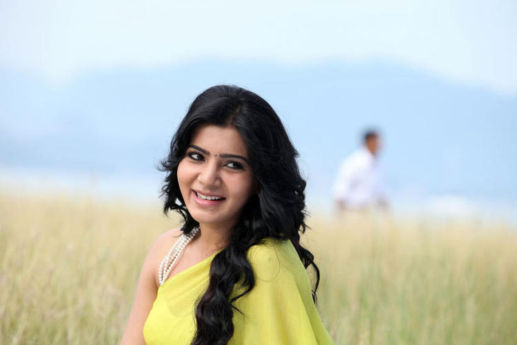 Samantha Nice Look With Cute Smiling Photo From Movie Jabardasth