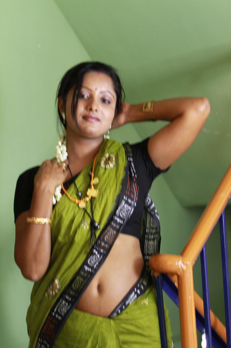 Sunitha Sexy Naval Expose Photo In Saree From Telugu Movie Madhuram