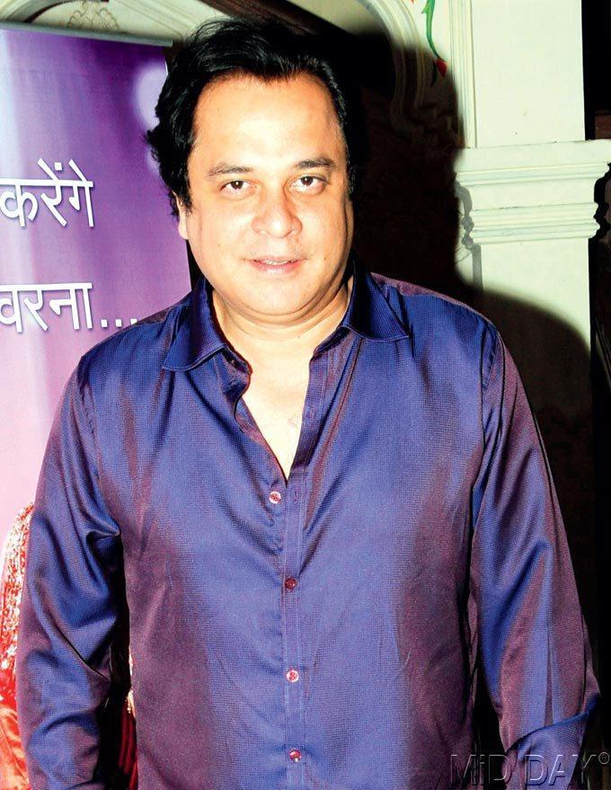 Mahesh Thakur Is At His Comic Best At Sahara Launches Ghar Aaaja Pardesi Event