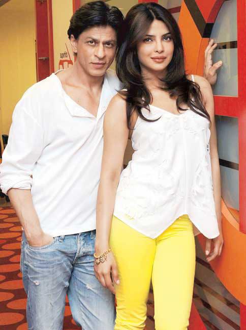 Shahrukh Khan And Priyanka Chopra Nice Posed Still