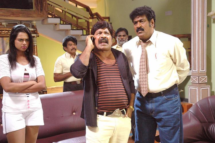 Abhinayashree And Yati Raja In Pandavulu Movie