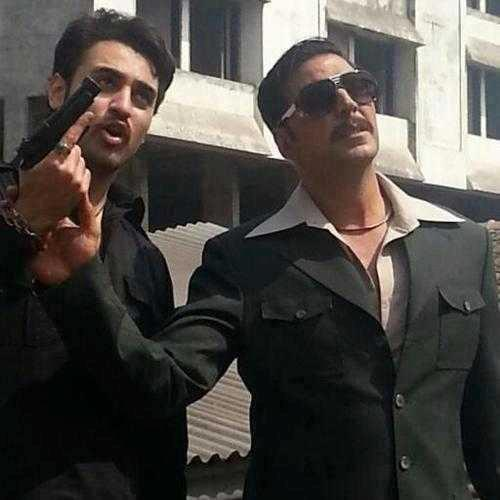 Akshay And Imran With Gun Photo  In Movie Once Upon A Time In Mumbai 2