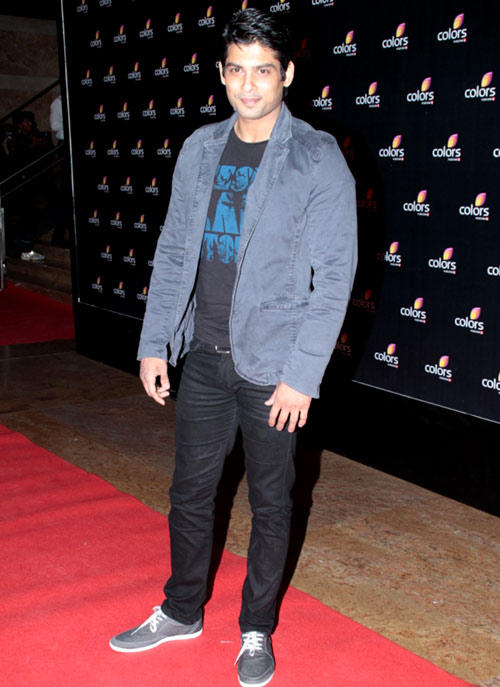 Siddharth Shukla Dazzles In Red Carpet At Colors 4th Year Celebration Party