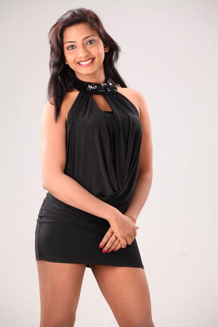 Kamna Looked Ravishing In A Black Ensemble