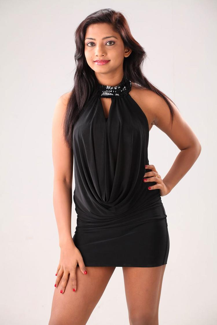 Kamna Sizzling And Attractive Photo Still