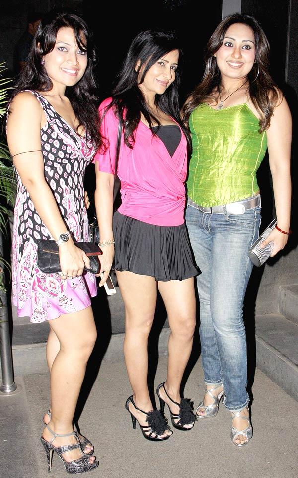 Amita Pathak Poses With Some Friends At The Launch Of Manoj And Teejay Bohra Production House
