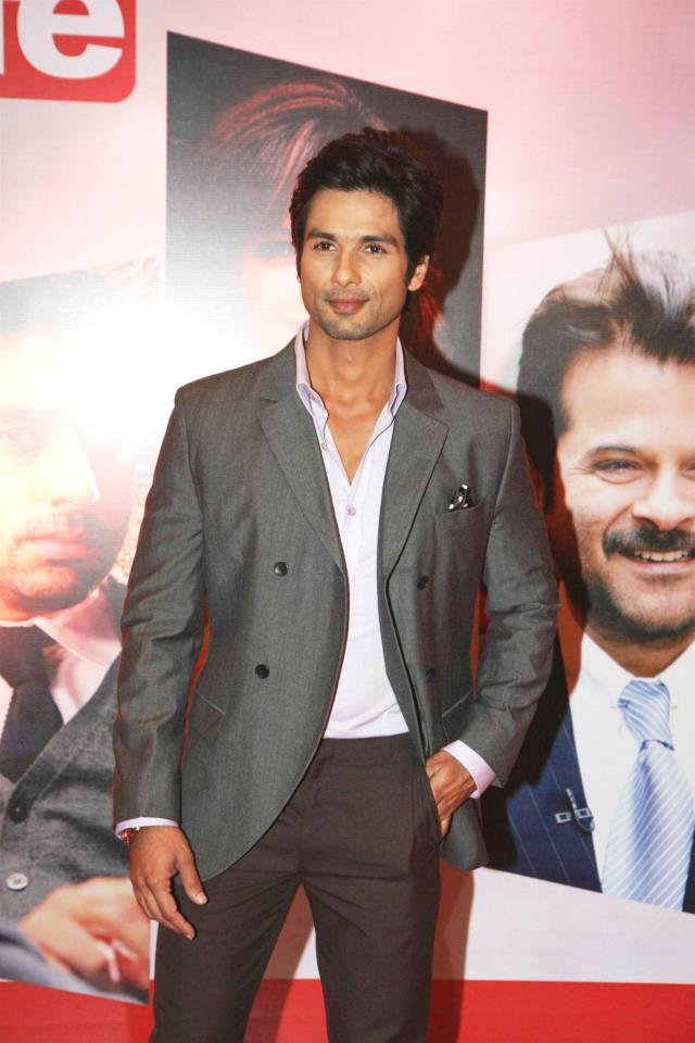 Shahid Smart Looking Photo Clicked At The Hindustan Times Style Award 2013