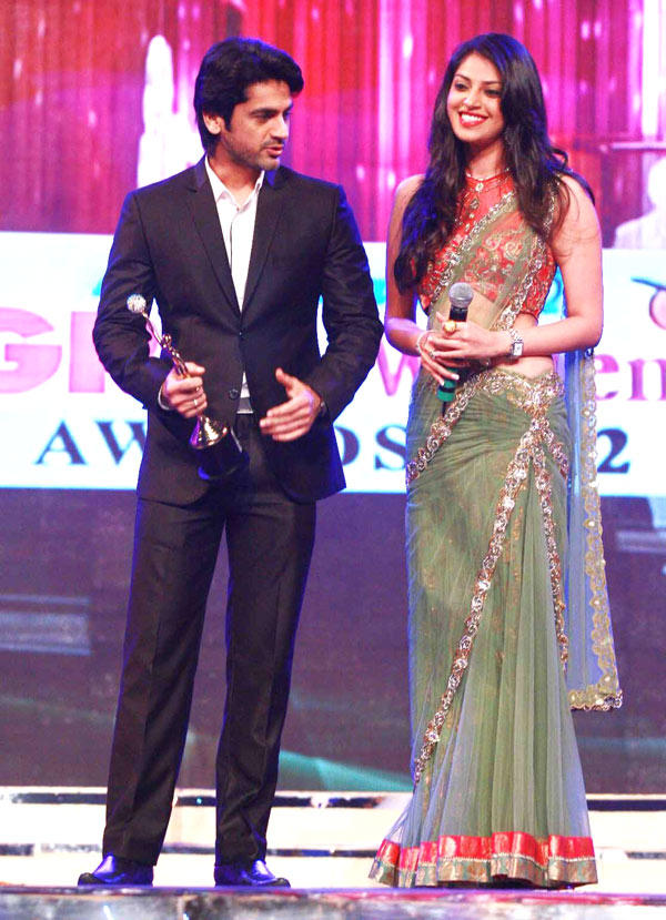 Arjan With A Friend On Stage At Great Women Achievers Awards 2013