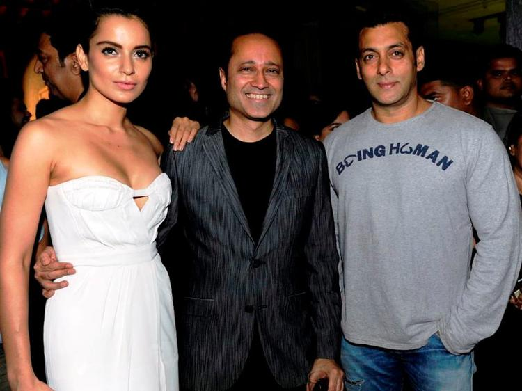 Salman Khan Posed For Camera At Bombay Times 18th Anniversary Bash 2013