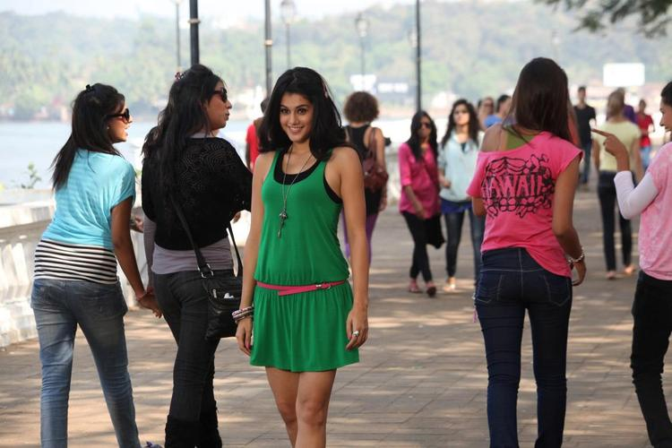 Taapsee Pannu Glamour Look Still From Chashme Baddoor Movie