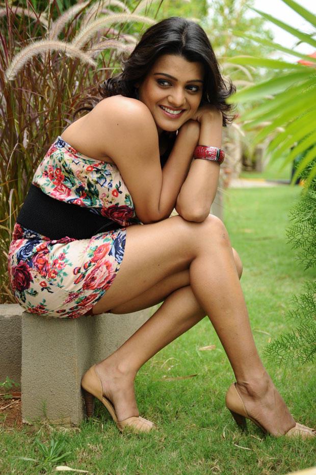 Tashu Kaushik Sexy Hot Look Still From Telugabbai Movie