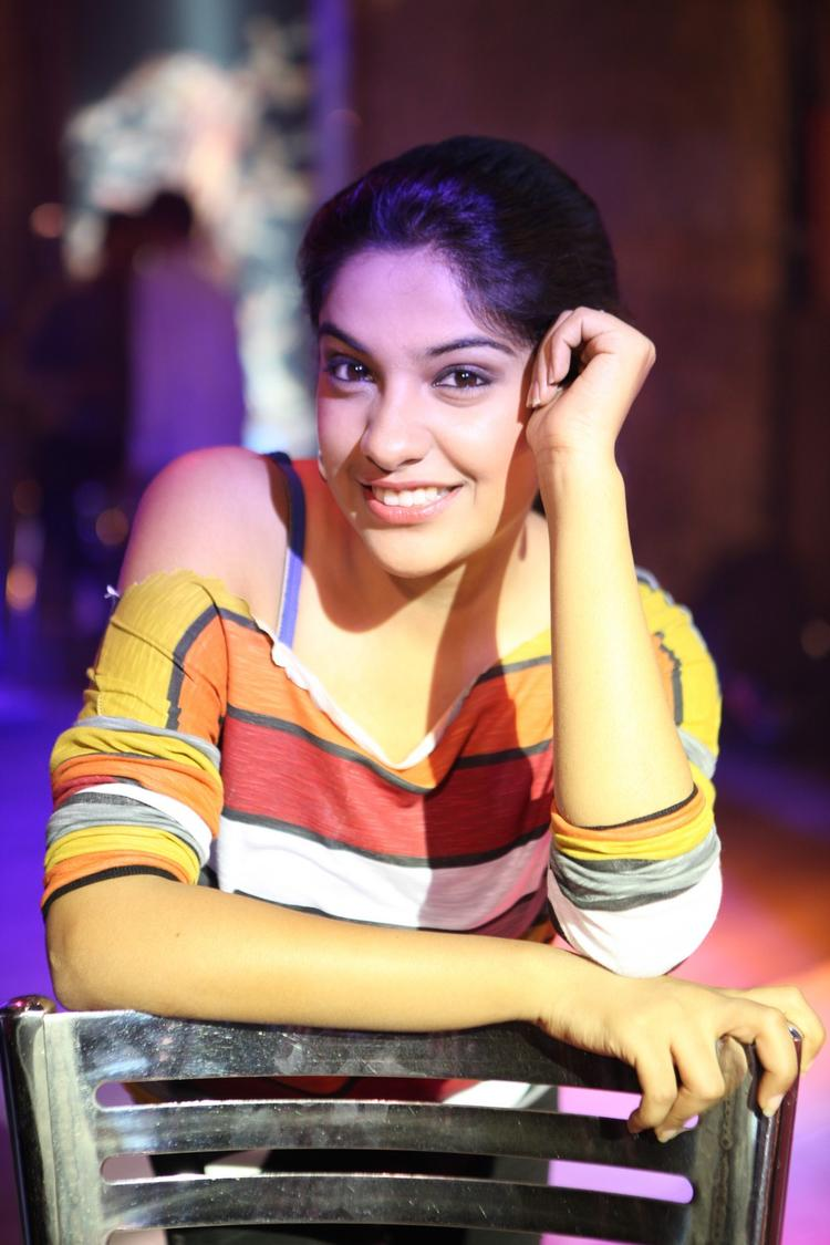 Archana Kavi Nice Expression Photo Still During Working Of Movie Back Bench Student