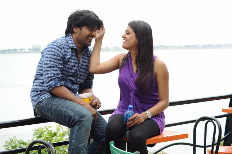 Mangam And Tashu Cute Look Photo Still From Movie Gola Seenu