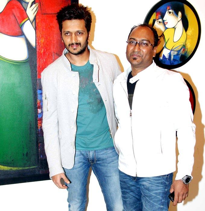 Ritesh Inaugurates Exhibition Of Artist Anand Panchal