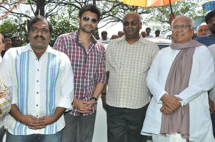 Sumanth,M. M. Keeravaani And ANR Posed For Camera At Emo Gurram Egara Vachu Movie Launch Event