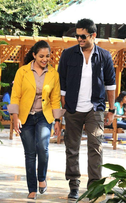 Nitin And Nithya Walking Photo Still From Movie Gunde Jaari Gallanthayyinde