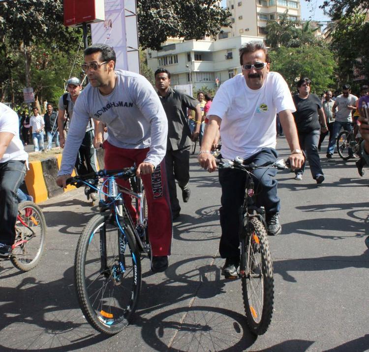 Salman Khan Attend The Mumbai Car Free Day Rally At Carter Road