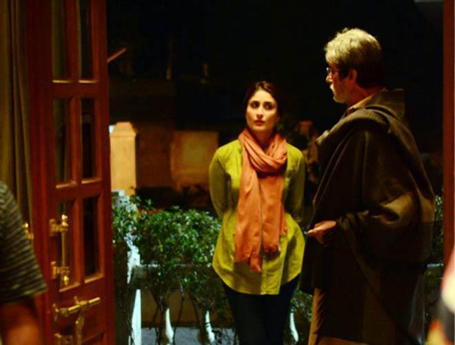 Amitabh And Kareena New Photo Still From Movie Satyagraha