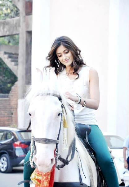 Ileana Snapped During Horse Riding On The Sets Of Phata Poster Nikla Hero
