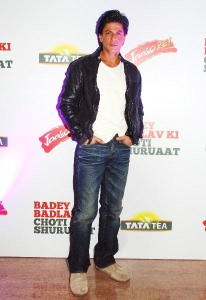 Shahrukh Khan Posed At TATA Tea Jaago Re Press Conference