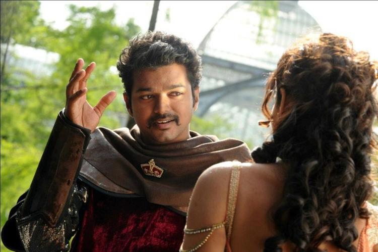 Ileana And Vijay Song Photo Still From Movie Nanban
