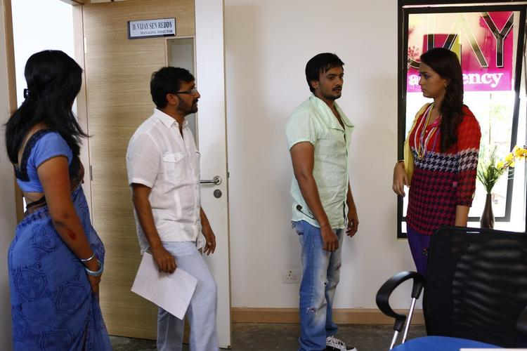 Sairam And Ester With Director Teja On Movie 1000 Abaddalu Location