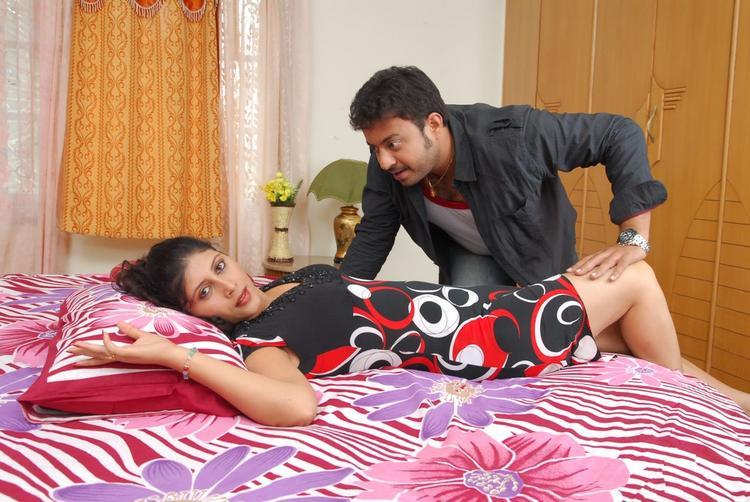 Vinta Kapuram Movie Hot Sizzling Bold Still