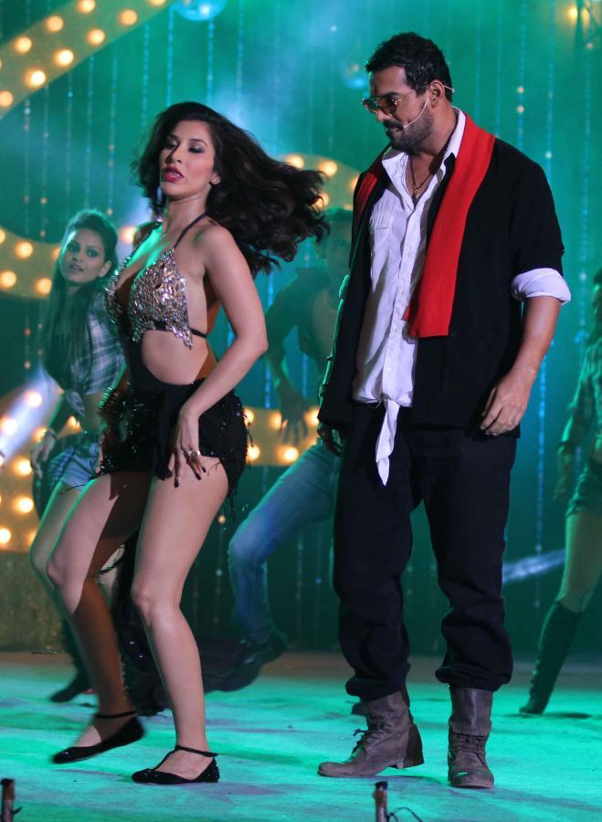Sophie Choudry And John Abraham Danced At The Music Launch Of Shootout At Wadala