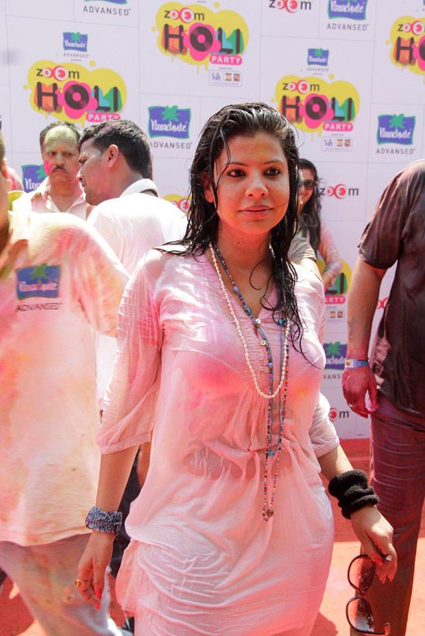 Sambhavna Seth Looked Hot In White Wet Dress At ZOOM Holi Party