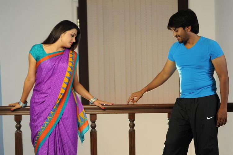 Srinivas And Tashu Sexy Look Photo Still From Movie Gola Seenu