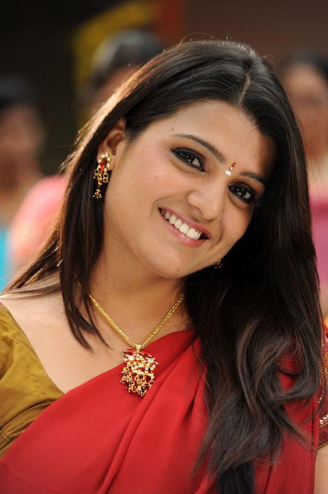 Tashu Cute Smiling Photo Still From Movie Gola Seenu
