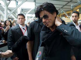 SRK Cute Smiling Look At Vancouver International Airport