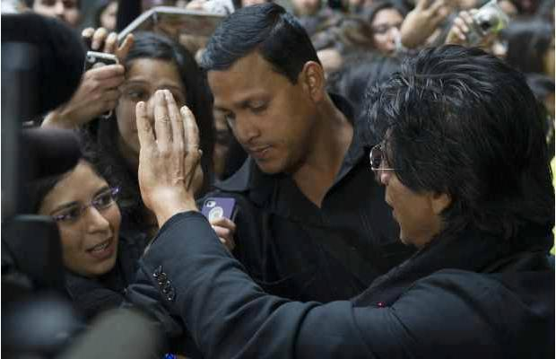 SRK Greets His Fans At Vancouver International Airport